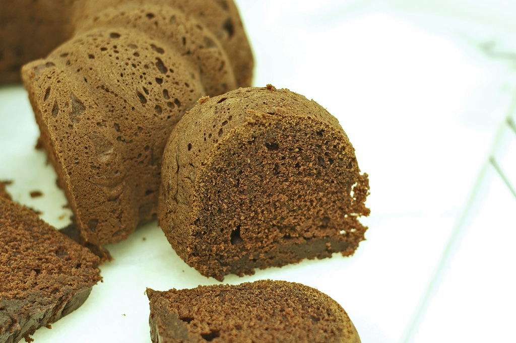 Chocolate Bundt Cake Gluten Free | Let's Be Yummy